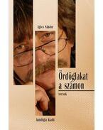 ÖRDÖGLAKAT A SZÁMON - ÜKH 2010 - Agócs Sándor