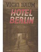 Hotel Berlin - Baum, Vicki