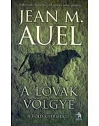 A lovak völgye - Jean M. Auel