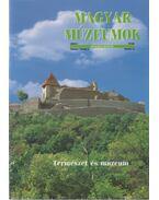 Magyar Múzeumok 2000/2 - Selmeczi Kovács Attila