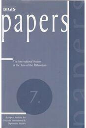 The International System at the Turn of the Millennium - Kiss J. László, Rostoványi Zsolt, Böszörményi Jenő - Régikönyvek