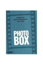 Photobox - Bringing the Great Photographers into Focus - Roberto Koch - Régikönyvek